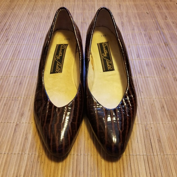 f1b80429806 Vintage Dorothy Bell Patent Leather Flats